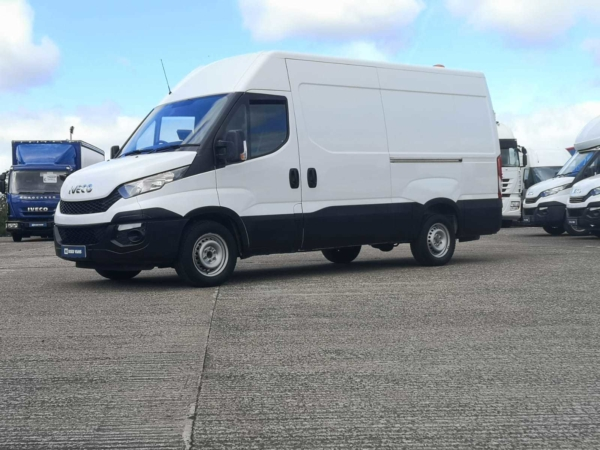 Iveco Daily 2.3 High Roof Van 3520L WB ** LOW MILEAGE