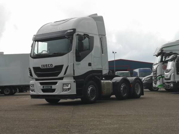 IVECO Stralis AS440S46TX/P 6x2 Tractor 4000 mileage in KM